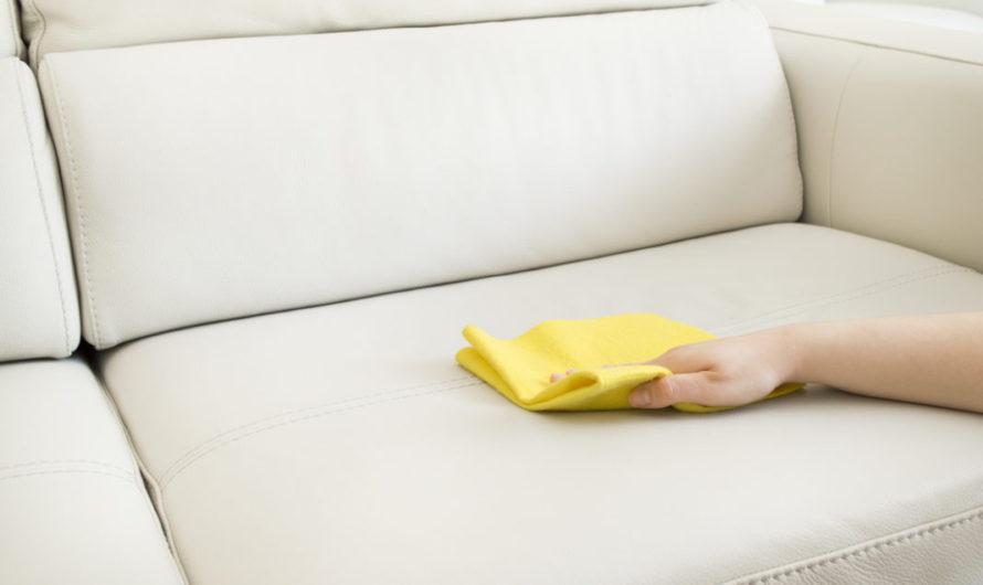 Домашние средства для вывода пятен на обивке мебели хорошо справляются со многими пятнами