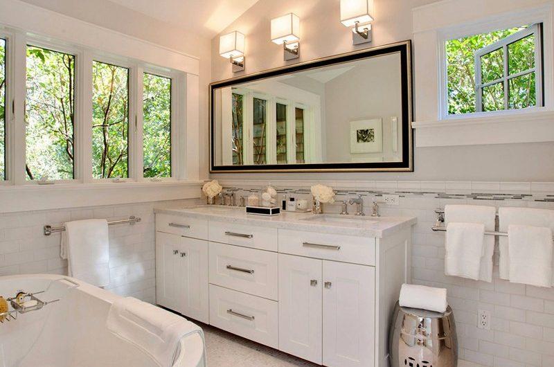 Деликатный вопрос — выбираем окна для ванной комнаты