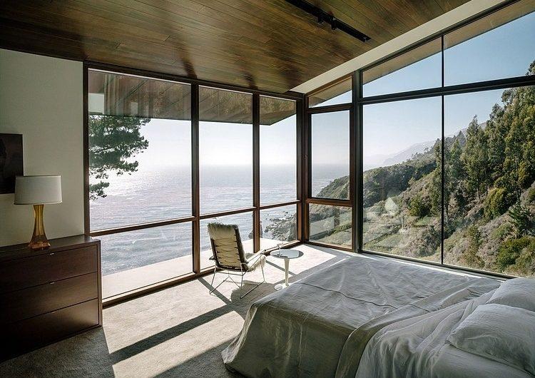 Интерьер как продолжение пейзажа: преимущества панорамного остекления
