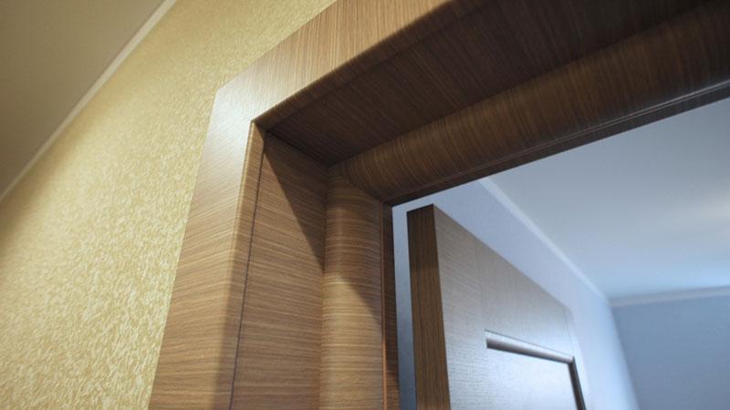 Как правильно отделать откосы двери?