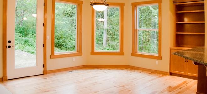 Как удалить клей с деревянных полов?