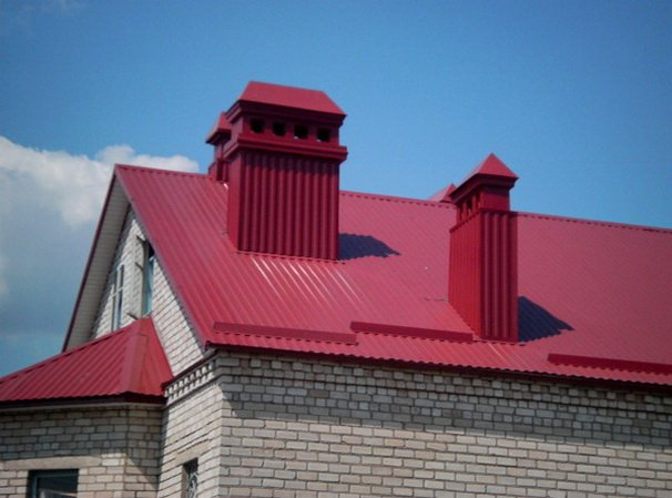 Как покрыть крышу профнастилом?
