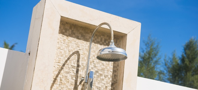 Как заменить стержень крана на душ на открытом воздухе?