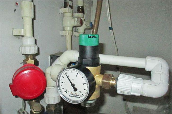 Какое давление воды в доме, как обеспечить норму