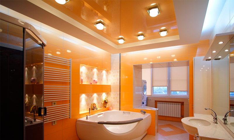 Плюсы и минусы использования натяжного потолка в ванной комнате